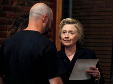 Bo Talks to Hillary Clinton Pic