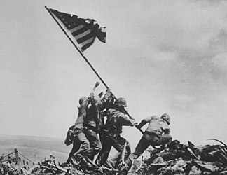 raising-the-flag-at-iwo-jima